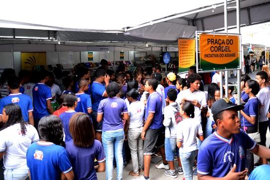 A Feira do Livro Foto Bernardo Bezerra 25-09-14 (7)